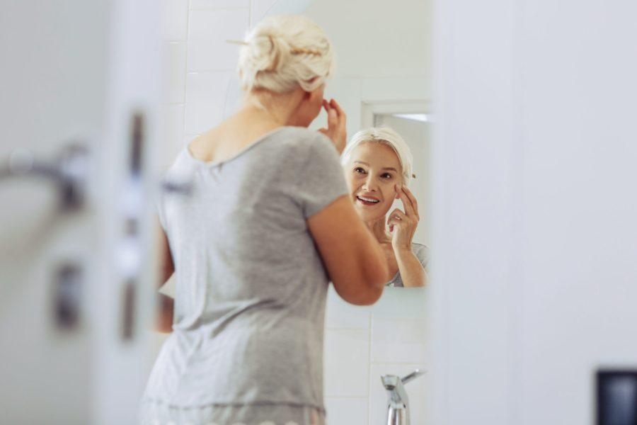 Cosméticos anti-idade: o que são e como escolhê-los?
