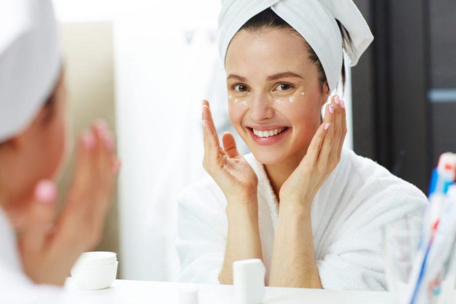 Cuidados com a pele: 10 dicas para mulheres dos 20 aos 30 anos