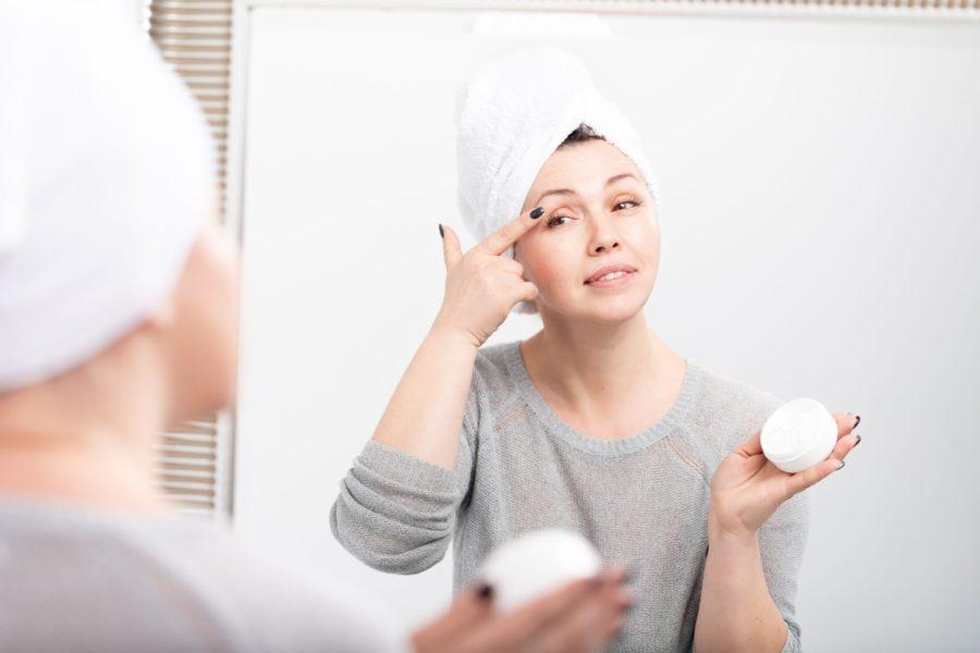 Cuidados com a pele dos 40 aos 50 anos: 6 dicas para mantê-la jovem e viçosa