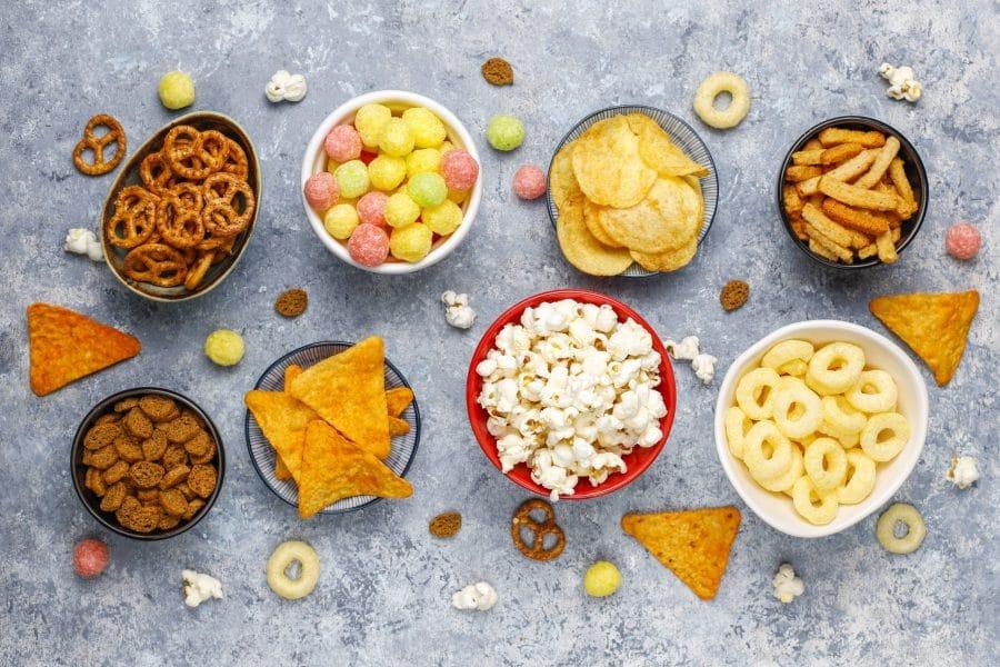 Alimentos ultraprocessados engordam? Como o peso está relacionado a eles?