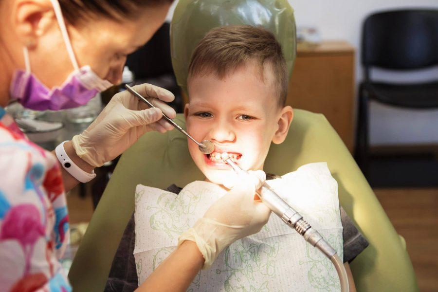Saúde bucal em crianças com TEA: como manter a boca e os dentes saudáveis?