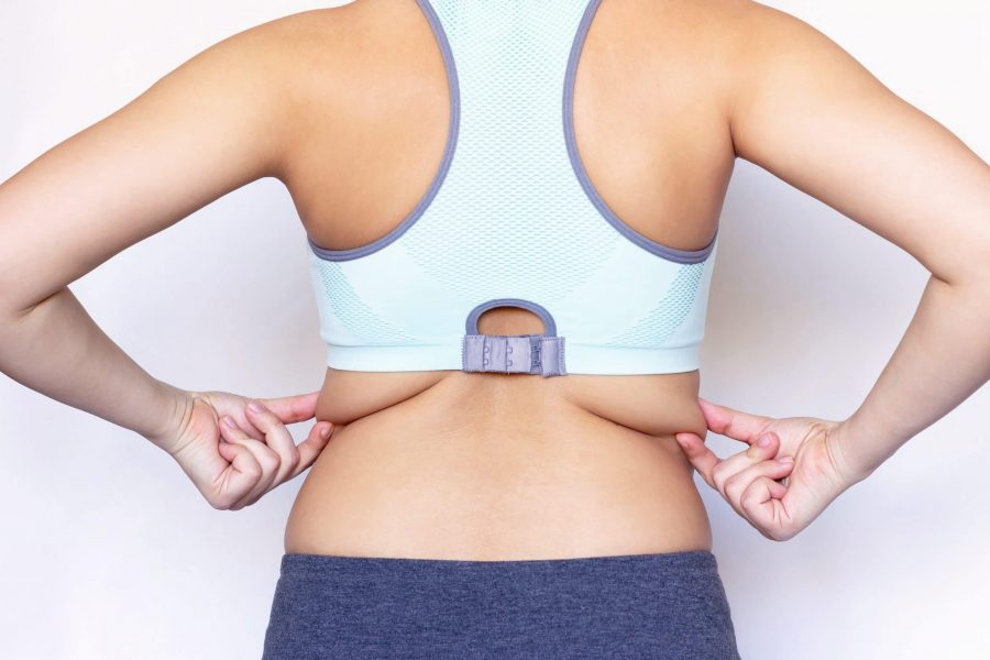 Gordura nas costas: como acabar com a dobrinha do sutiã?
